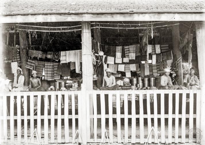 A Shan-owned textile shop at Pak Nam Pho Market
