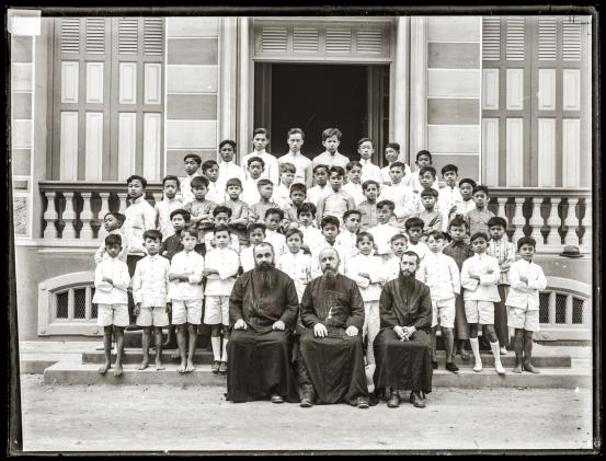Students and teachers of St. Gabriels' College.