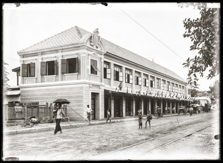 ห้างสิทธิภัณฑ์ ตั้งอยู่ถนนเฟื่องนคร